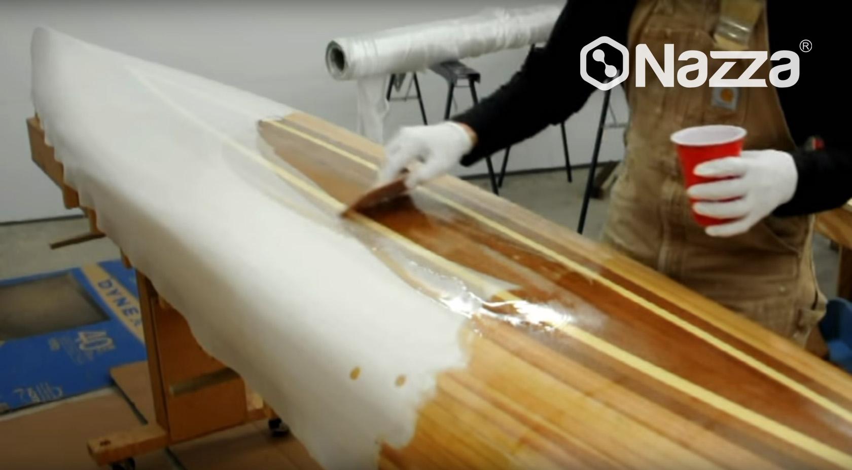Aplicación resina epoxy reparación de barcos